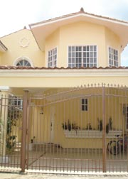 Beautiful Duplex in Green Valley – Albrook