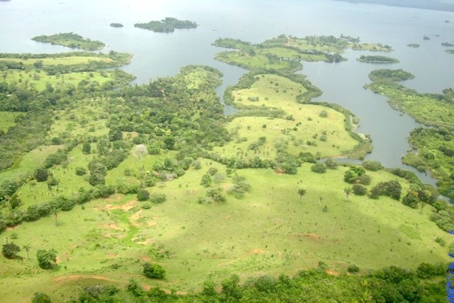 Property on Lake Gatun