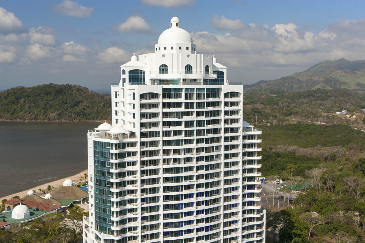 Beach front Apartments, 10 minutes from Panama city