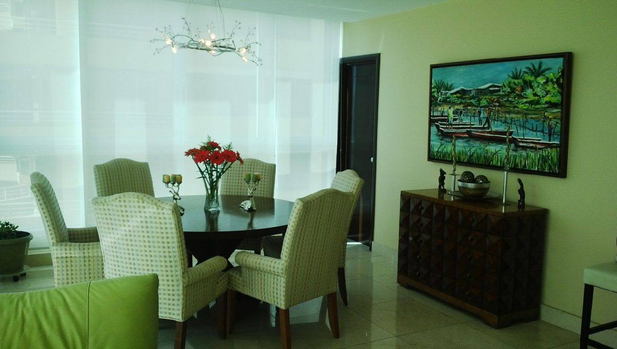 villa mar dining room