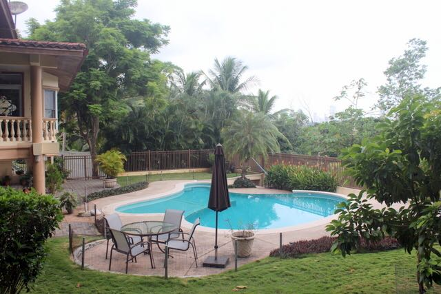 Family Home Surrounded by Nature in Albrook